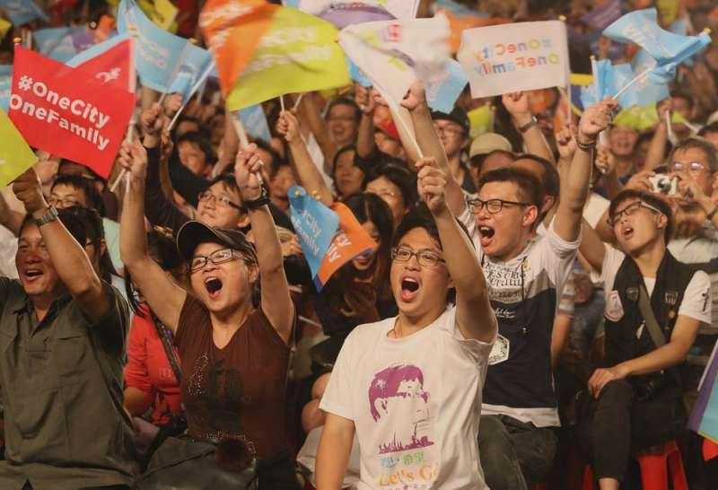 青年人對柯文哲的高度支持,讓藍綠陣營相當驚訝。(柯承惠攝)