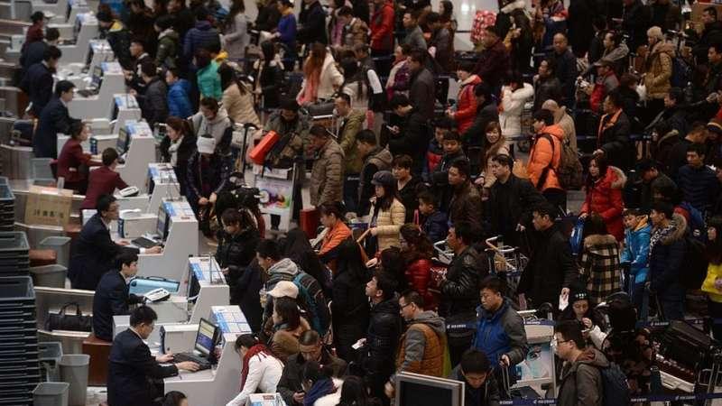 中國的中產階級日益擴大,越來越多的人走出國門。(圖/BBC中文網)