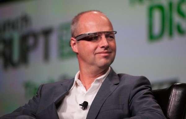 Google X創辦人塞巴斯蒂安·特倫(Sebastian Thrun)曾評論:「無人駕駛不會再開車的時候滑手機、酒駕、分心,因此無人車最終應該能將交通死亡人數減少10倍甚至更多。」(圖/JD Lasica@flickr)