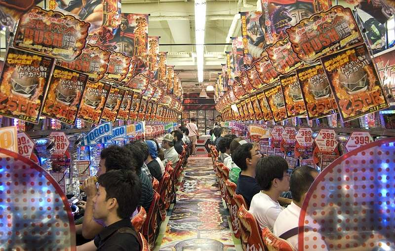 陳水扁曾禁絕電玩遊戲和柏青哥店。(圖為日本的柏青哥店。Tischbeinahe ∕維基百科)