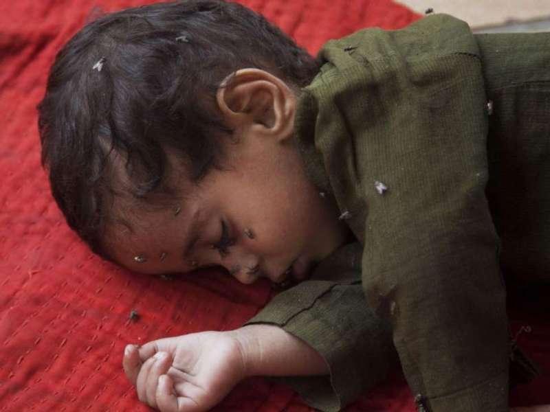 巴基斯坦熱浪成災,許多兒童受害。(美聯社)