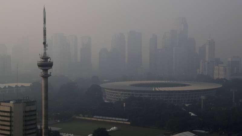 霧霾下的印尼雅加達。(圖/BBC中文網)