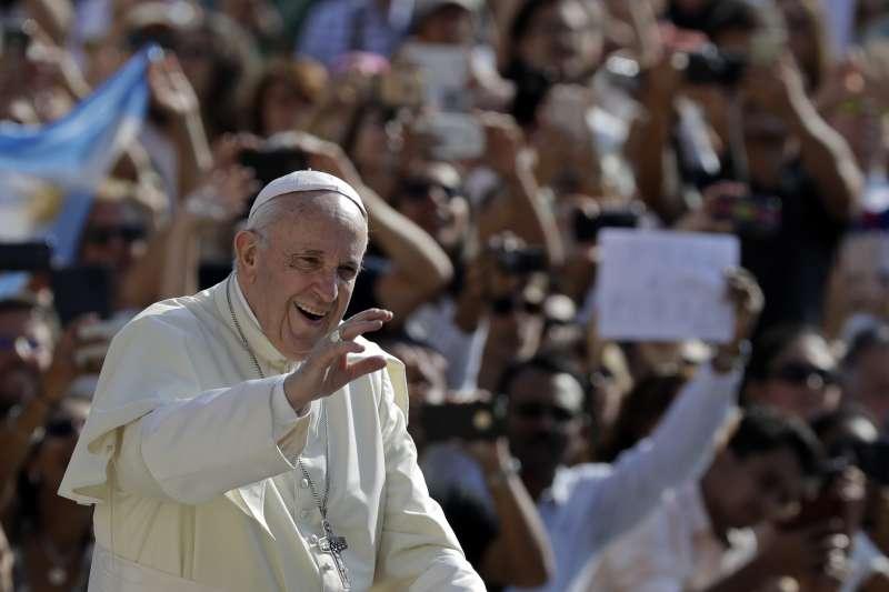 天主教教宗方濟各作風溫和親民,但他改革派的立場引起梵蒂岡保守派的不滿(AP)