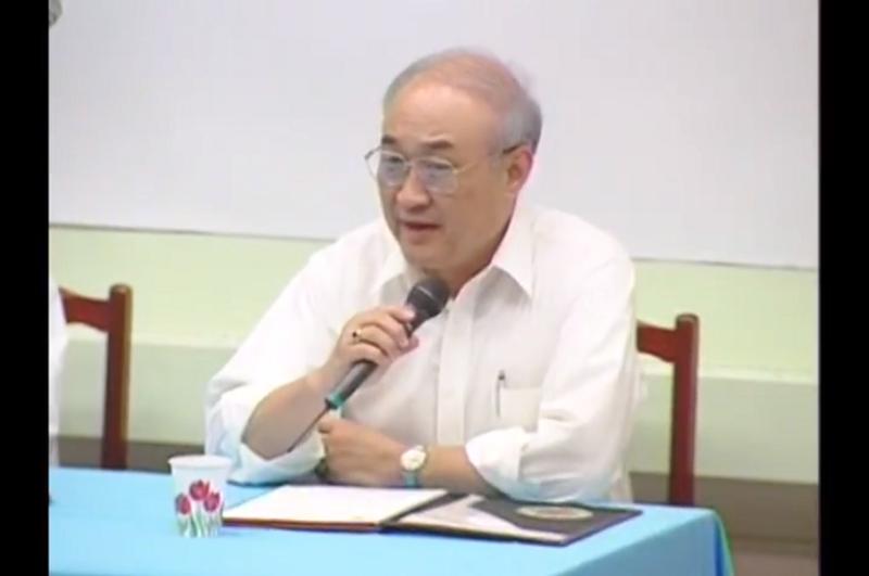 已故教育部長吳京任內升格不少專科為學院或大學,但遠不及扁政府增加了三十七所大專院校。(1996年吳京回成大講話。截取自youtube)