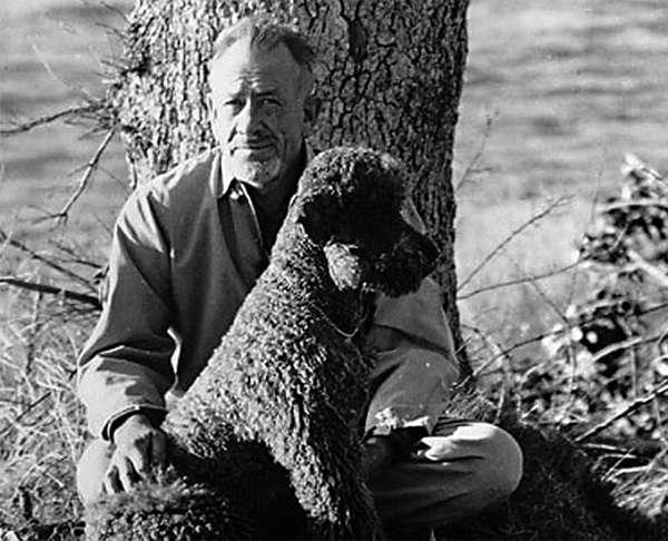 約翰·斯坦貝克與愛犬查理。(圖/澎湃新聞提供)