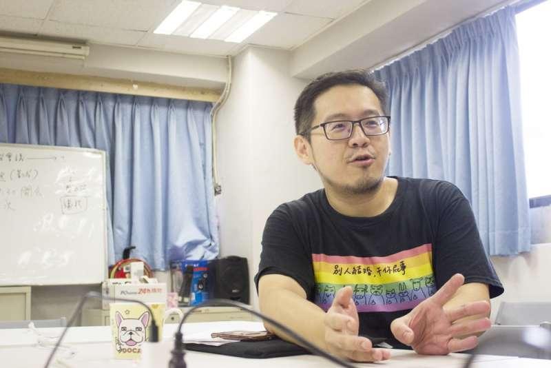 20180829-同志諮詢熱線訪社運青年倫倫、小風(辛母羊攝影;人生百味提供)