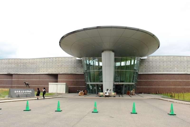 博物館建築由已故建築大師黑川紀章打造。(圖/時報出版提供)