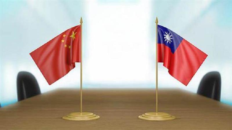 台灣必須理解,中共不等於中國。就像國民黨或民進黨都不等於台灣。(取自作者臉書)