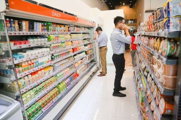 美廉城超除了主打現做餐點,另有50%的空間屬於零售商品區。(圖/賀大新攝,數位時代提供)
