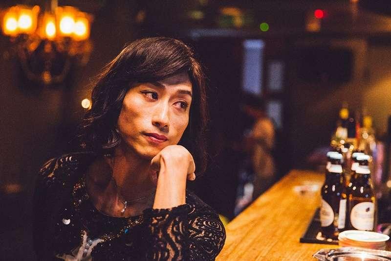 陳竹昇在第54屆金馬獎中以電影《阿莉芙》中跨性別者Sherry一角贏得最佳男配角獎。(圖/蔓菲聯爾創意製作提供|文化+)