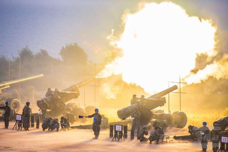20180907-陸軍金防部7日上午在金門后湖海灘進行「107年聯合反登陸作戰」操演,場面相當震撼。(取自軍聞社)