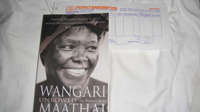 非洲第一位諾貝爾和平獎得主Wangari Muta的傳記 – 永不屈服,將是此行最珍貴的紀念品之一。(圖/謝幸吟提供)