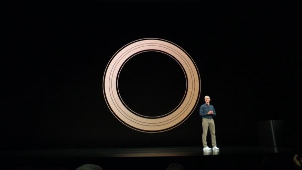 蘋果這次只揭曉新iPhone與Apple Watch,算是場驚喜不多的發表會。(圖/Apple,數位時代提供)