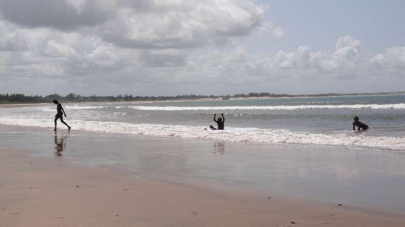 剛游完泳的孩童,迎面而來的一聲「chiao」,有一點點義大利。(圖/謝幸吟提供)