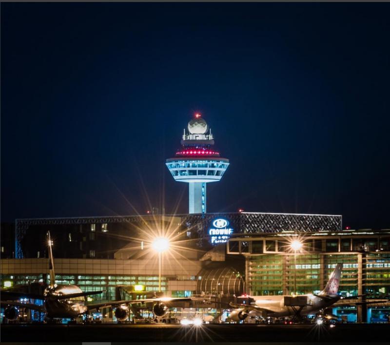 新加坡樟宜機場的優越效率和獨特地理位置,讓台驊控股決定出手併購在當地的同業,擴大在東協的空運網絡。(圖片取自樟宜機場INSTAGRAM)