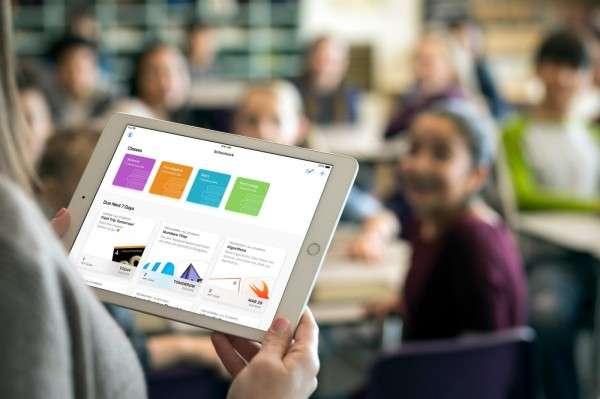 2010年蘋果推出iPad,讓華碩EeePC市場快速更替,後來華碩也推出變形平板迎戰。(圖/Apple,數位時代提供)