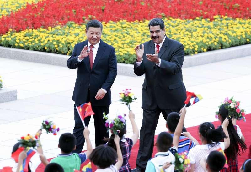 委內瑞拉總統馬杜洛出訪北京,被視為向中國討救兵。(AP)