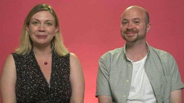 阿曼達和史蒂夫發現很難有時間和精力發生性關係。(BBC)