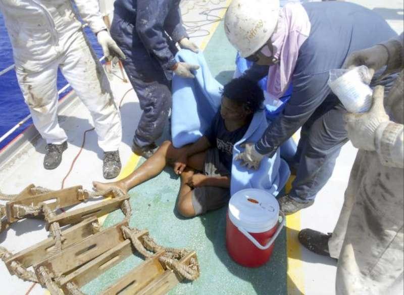 印尼19歲青年阿迪在海上漂流49天後終於獲救(AP)