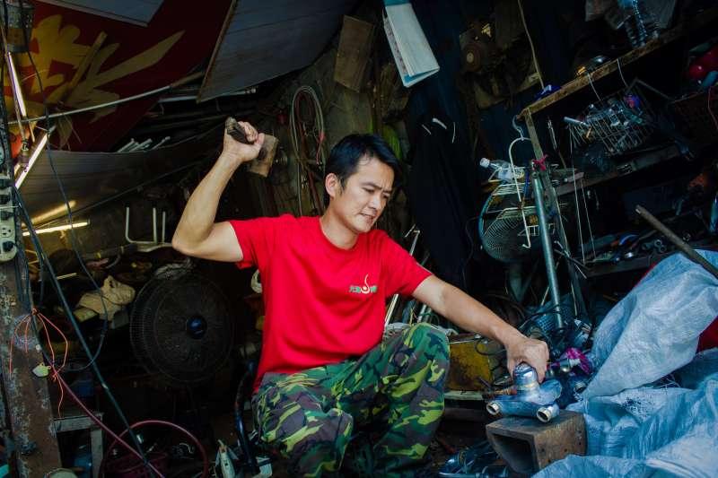 20180926-萬華在地50年資源回收廠經營者黃老闆(辛母羊攝影;人生百味提供)