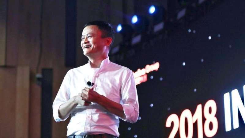 阿里巴巴也走入了服飾租賃領域,投資了「衣二三」和「出租時尚」。(圖/BBC中文網)