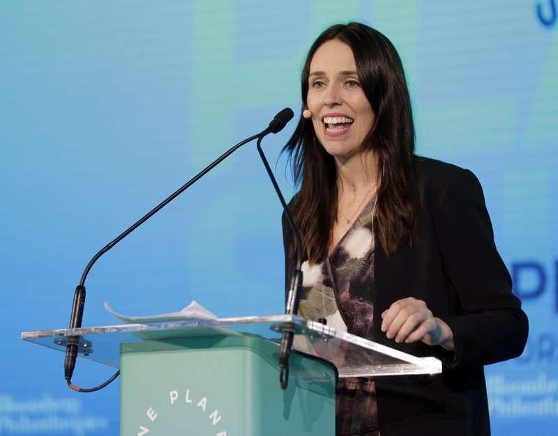 紐西蘭總理雅頓(Jacinda Ardern)帶著女兒到紐約參與聯合國大會,履行職責發表演說。(AP)
