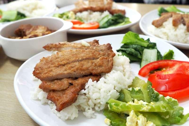 20180930-萬華越南小吃店「越窩越好」料理(台灣社區實踐協會提供)