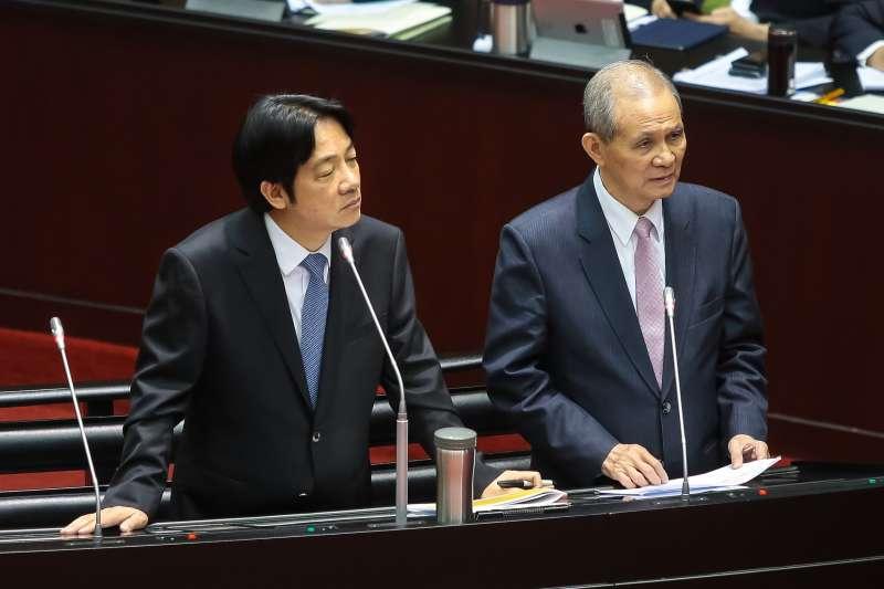 20181002-行政院長賴清德(左)、促轉會主委黃煌雄(右)2日出席立院總質詢。(顏麟宇攝)