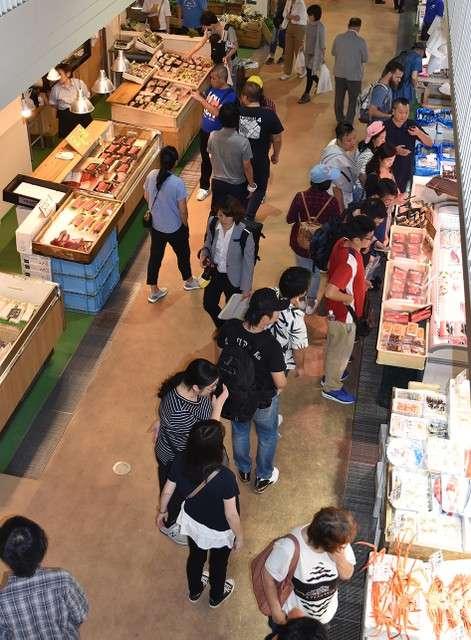 築地魚河岸正式開幕,現場聚集眾多觀光客(圖/潮日本)