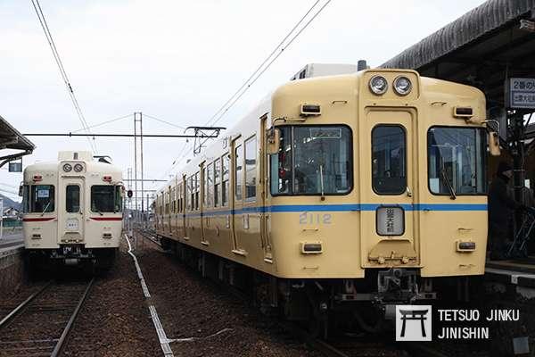 一畑電車2100形,是在1994年自京王電鐵讓渡而來,因此一畑電車特別恢復成京王的舊塗裝,藉以吸引鐵道迷。(攝影:陳威臣)