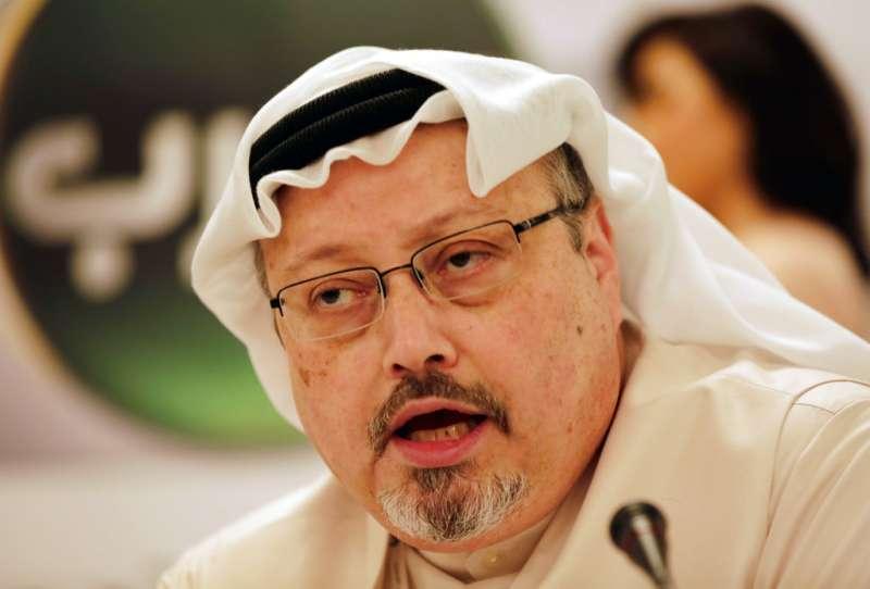 沙烏地阿拉伯知名記者哈紹吉(Jamal Khashoggi)進入沙國駐伊斯坦堡領事館後離奇失蹤,土耳其6日指控沙國殺害哈紹吉。(AP)