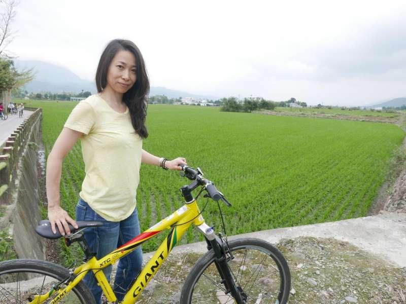 臺東騎單車。(圖/文化+提供)