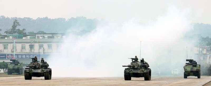陸航601旅龍城營區今(9)實施第三作戰區「地空聯合作戰」實兵演練,此次演練,具有國軍未來戰演訓走向的指標性,軍方格外重視,圖為CM-11戰車。(蘇仲泓攝)