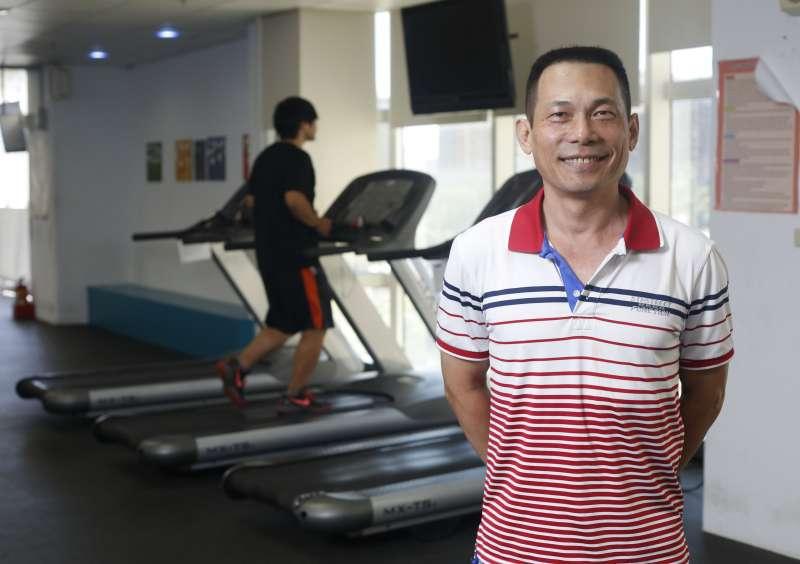 慢跑社社長黃錦陞來自台東,每天都跑步。(郭晉瑋攝)