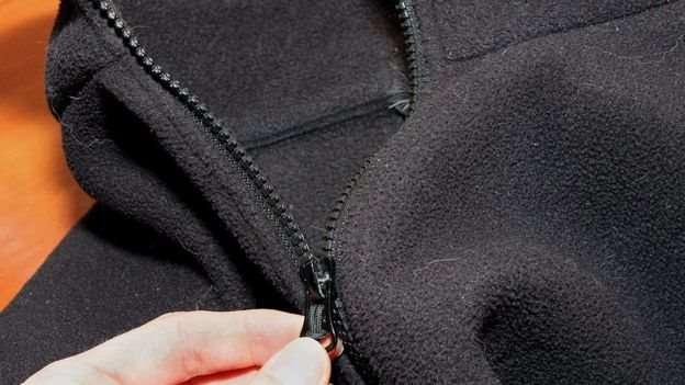 這種滌綸絨外套危害最大。(圖/BBC中文網)