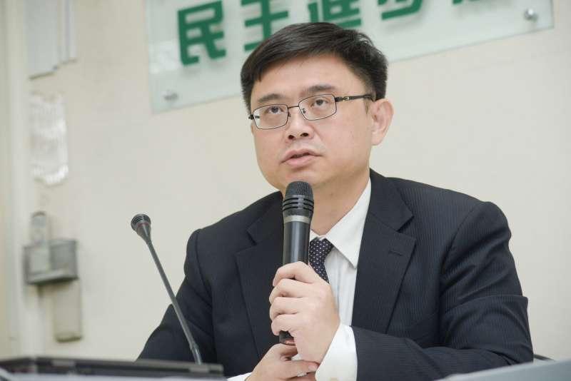 20181015-「韓流? 發言不入流」記者會,立法委員賴瑞隆。(甘岱民攝)