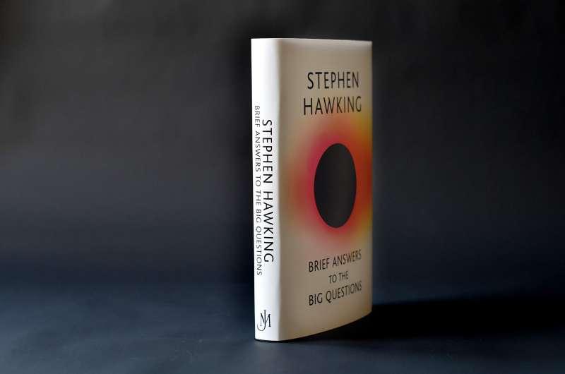 ▲霍金遺作《大問小答》 16 日發售,書中企圖回答幾個大哉問。(圖/智慧機器人網提供)
