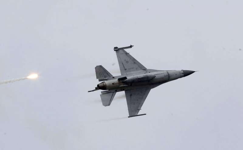 原本要建置的F-16廠級維修中心,卻被用3個步驟給「貍貓換太子」。(郭晉瑋攝)