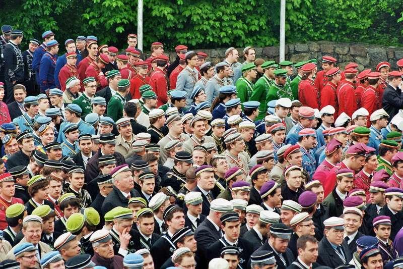 每個兵團皆有不同的服飾、徽章。(圖/維基百科)