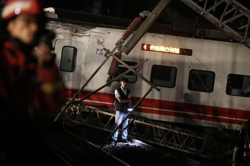 2018年10月21日,台鐵普悠瑪列車在北迴鐵路蘇澳鎮新馬車站發生翻覆,造成重大傷亡(陳品佑攝)