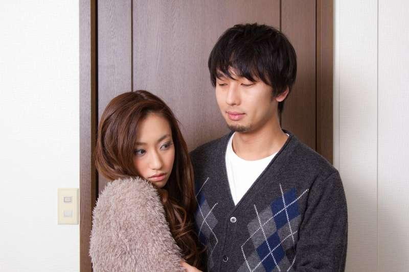 無性婚姻可以撐多久,取決於兩人感情的程度(圖/pakutaso)