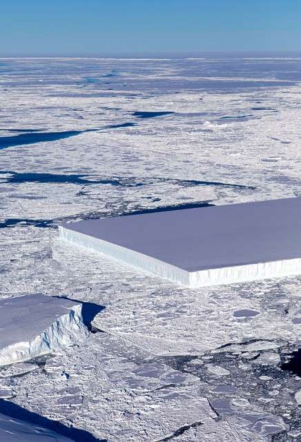 NASA拍攝到豆腐形狀的冰山(圖/潮日本|NASA‧Jeremy Harbeck)