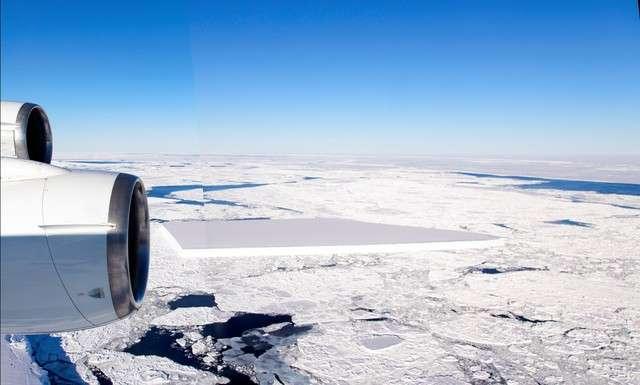 NASA拍攝到呈現直角的冰山(圖/潮日本|NASA‧Jeremy Harbeck)