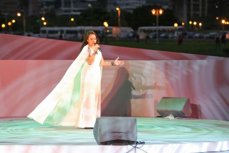 紀曉君的歌聲具穿透力、嘹亮又充滿感情,輕輕吟唱著一切純淨美好。(圖/風傳媒攝)