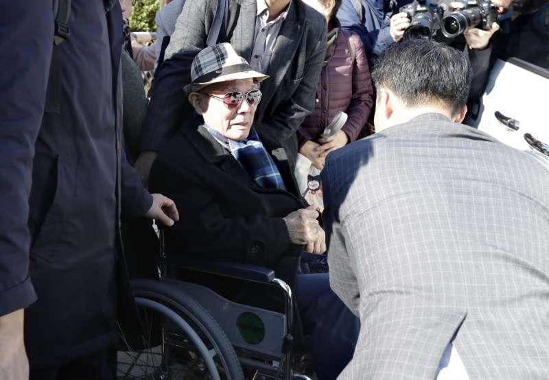 李春希30日現身南韓最高法院(美聯社)