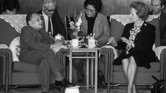 1984年中英兩國就香港前途問題達成共識,隔年成立香港基本法起草委員會。(圖/BBC中文網)