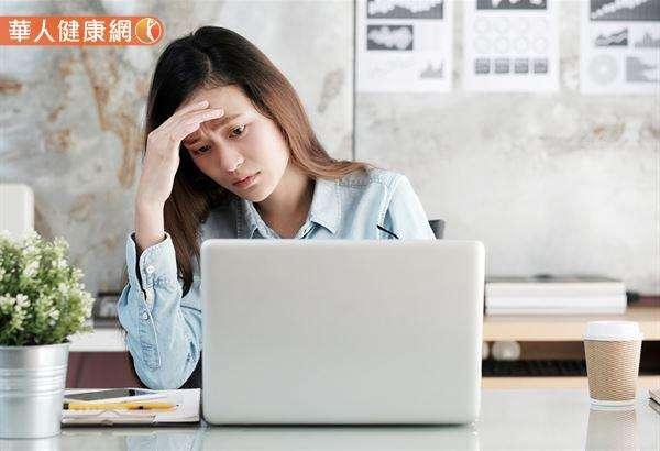 處於壓力下的身體,會產生更多的LDL膽固醇。(圖/華人健康網提供)