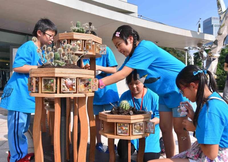 評審老師表示今年無論是參賽還是入圍的作品,不少都加入科技元素,但展現出來的溫暖與社會關懷,都可見創作者的熱情與感性。