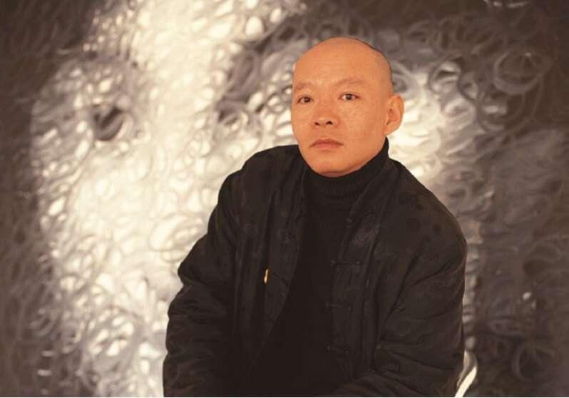 當代中國身價最高藝術家之一岳敏君。(圖/Vancouver Biennale)