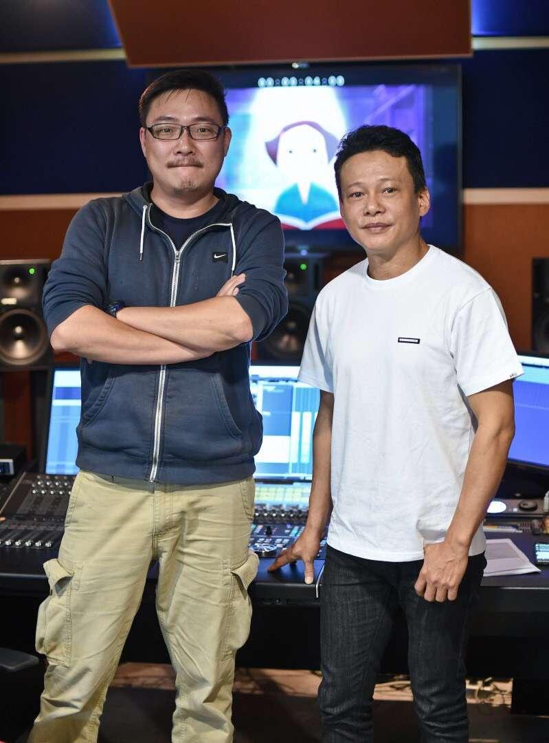 20181110-本屆金馬獎入圍影片,由影帝李康生(右)配音,司儀則再度由賈培德(左)擔任。(金馬執委會提供)